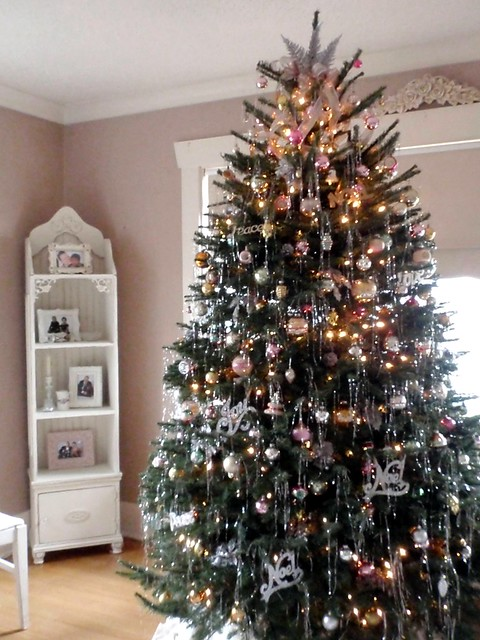 Christmas tree with vintage ornaments and tinsel flickr How to decorate a christmas tree without tinsel