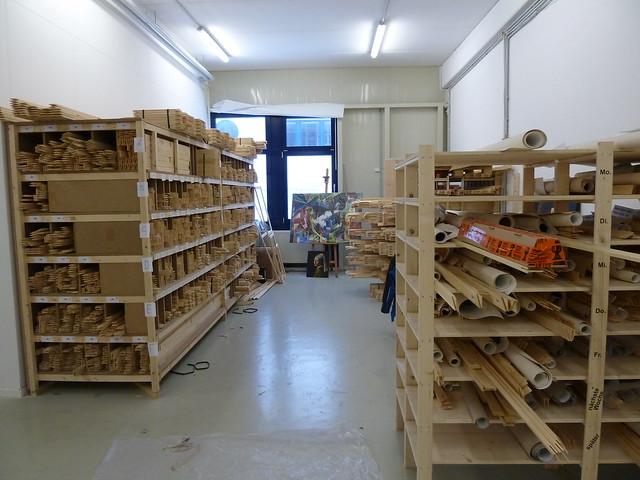 Stockage des chassis en bois flickr photo sharing for Stockage granules de bois