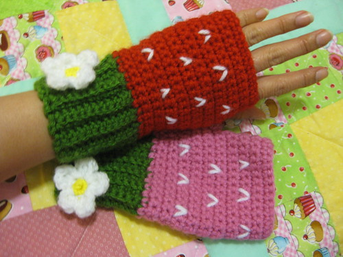 Strawberry Mittens done!