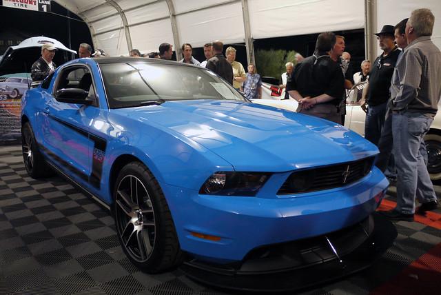 Ford Mustang Boss 302 Laguna Seca Grabber Blue