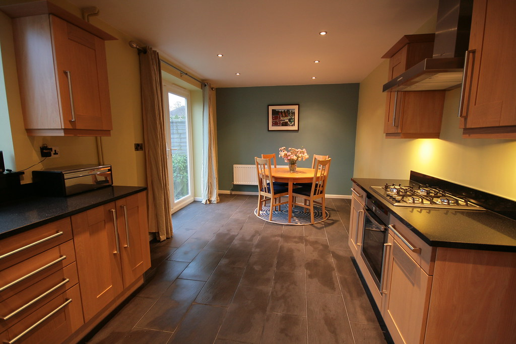 Beech kitchen dark worksurface what colour flooring for Nice colours for kitchen walls