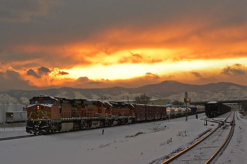 railroad sunset train explore rockymountains bnsf coors beerrun pentaxkx explored pentaxfa77mmf18limited tennysonst goldenbranch