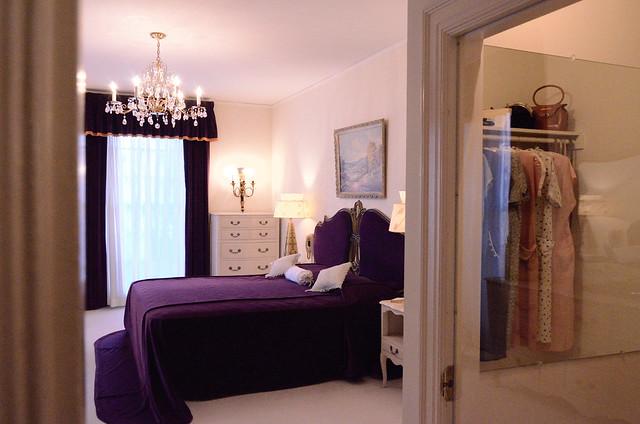 elvis presley 39 s graceland mansion tour mom dads bedroom flickr