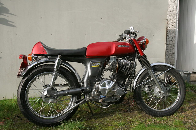 honda ss50 with a suzuki dr600 engine flickr photo. Black Bedroom Furniture Sets. Home Design Ideas