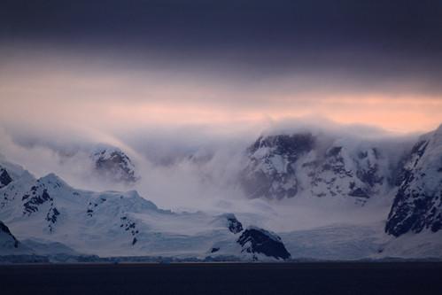 cruise sunset ice photography penguins antarctica glacier southgeorgia channel travelphotography lemaire 企鹅 antarcticpeninsula 旅遊攝影 fotografíadeviajes antarcticapeninsula 旅游摄影 南极洲 यात्राफोटोग्राफी التصويرالفوتوغرافيالسفر ভ্রমণফোটোগ্রাফি