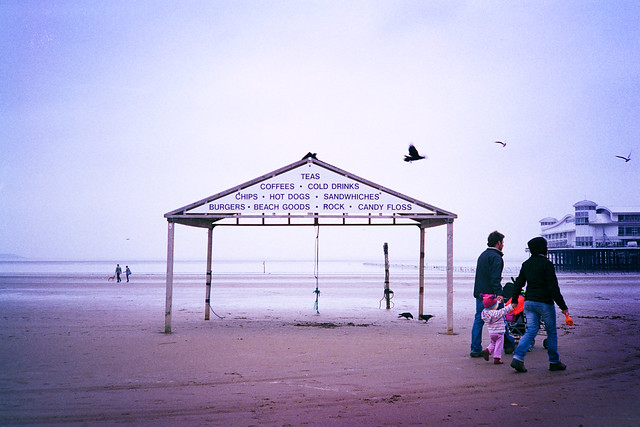 Photograph: Weston #4; Weston-Super-Mare, October 2010. By Simon Holliday.