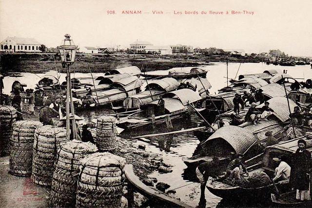 ANNAM - Vinh - Les bords du fleuve à Ben-Thuy