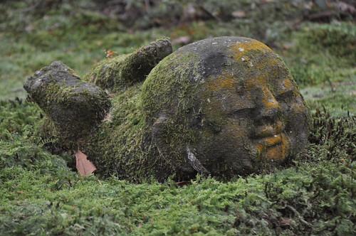 Moss Buddha by Yupa-sama