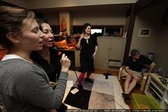 megan & neeta sing while rachel gets her groove back