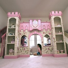 Castle-Bed-Pink-550x548
