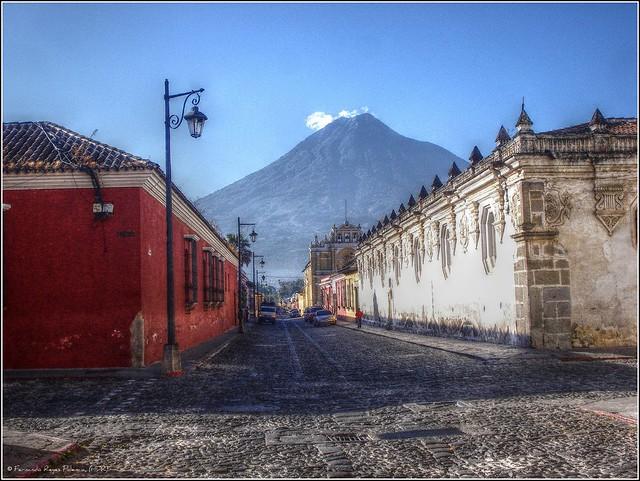 Antigua Guatemala Travel Guide by CC user fernandoreyes on Flickr