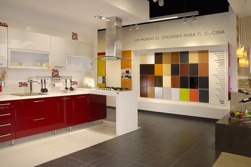 Corona abre nueva tienda cer mica en antioquia for Ceramica corona para cocina