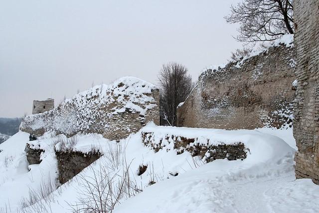 Изборская крепость. Западные ворота