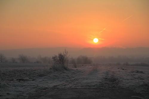 morning red sun rot sunrise sonne sonnenaufgang morgen feldweg farmtrack nordhessen vellmar