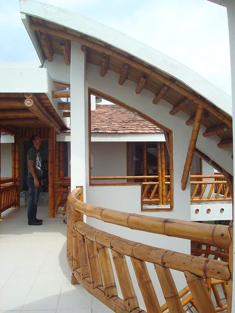 Escaleras y barandas con guadua an album on flickr - Escaleras de bambu ...