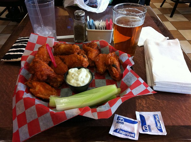 Buffalo Wings at Anchor Bar by CC user andynash on Flickr