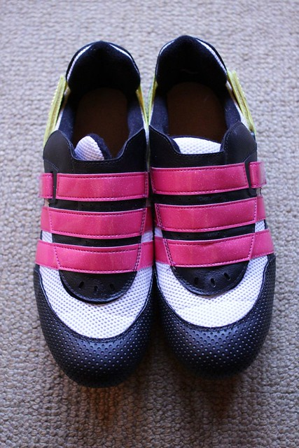 Classic Cycling Shoes http://www.flickr.com/photos/35916570@N04/5422087812/