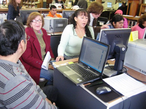 students in ELL computer class