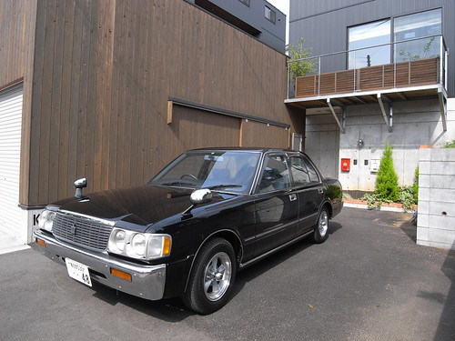 TOYOTA CROWN SUPER DELUX (130)