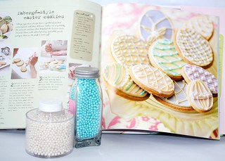 Sweet Treats to make, decorate, and give by Laura Tabor