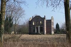 Sas van Gent, Poeldijk 43: 'Spookhuis'