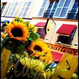 Flower and town in Paris : www.pajama-days.com