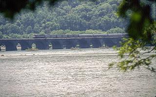 19960519 01 Amtrak Rockville Bridge, PA