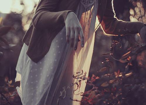 - haunting - by Teresa Q
