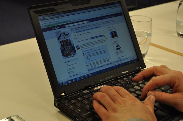 EPP Live Chat with Christian Holm