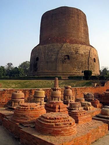 india architecture temple asia buddha stupa buddhism indie varanasi asie buddhisttemple sarnath uttarpradesh dhamekhstupa dhamekstupa