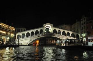 http://hojeconhecemos.blogspot.com.es/2010/10/do-grand-canal-de-noite-veneza-italia.html