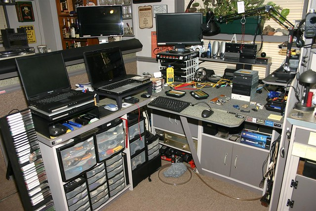 laptop repair laptop repair workbench. Black Bedroom Furniture Sets. Home Design Ideas