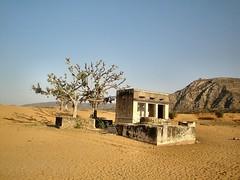 Desert well —runran (Flickr.com)