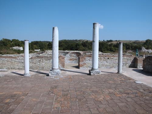 The Palace at Felix Romuliana (XXX) - isawnyu