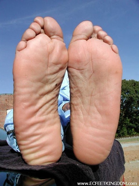 Can discussed Ebony feet soles something also