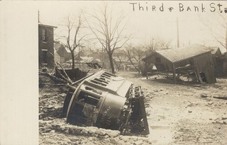 Third and Bank Street, Dayton, OH - 1913 Flood