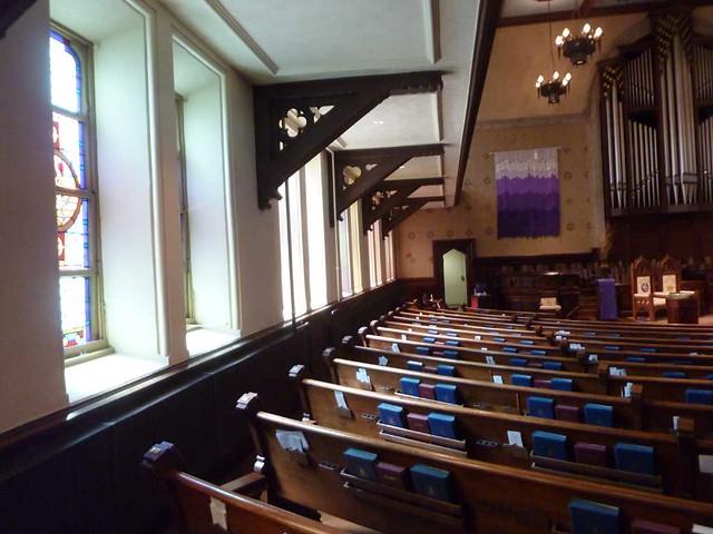 P1080716-2011-03-17-Central-Presbyterian-Church-Phoenix-Flies-Balcony-Brackets