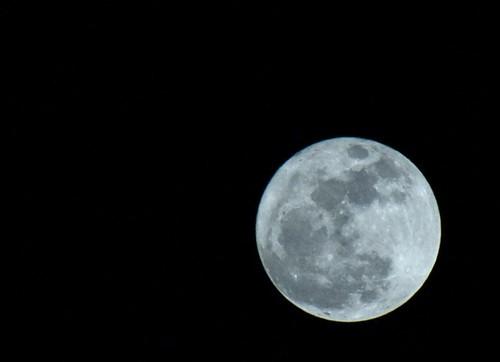 fria luna llena by Emilio del Prado
