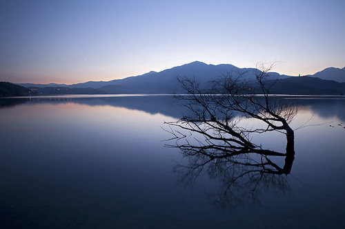mountain color colour reflection beauty sunrise reflections colours taiwan deadwood 日月潭 sunmoonlake 出水口