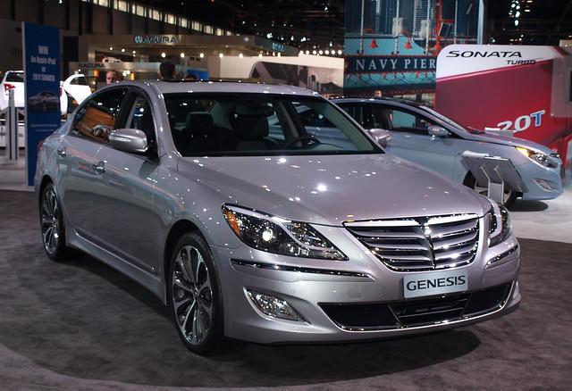 2012 Hyundai Genesis Sedan 3
