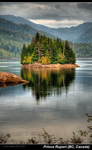 trees lake canada water forest reflections landscape lago island agua nikon prince paisaje columbia bosque british isla rupert hdr reflejos d300 abetos coniferas