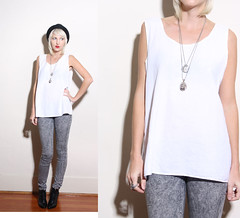 pattern, denim, neck, clothing, sleeveless shirt, outerwear, human body,