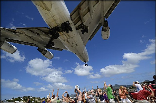 5532123261 68c466ba22 z Photographing Planes While Getting a Tan Is  As Awesome As It Is Scary