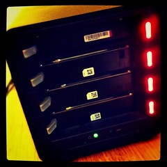Drobo lights of doom. 2,5TB of Pictures, Movies: lost.