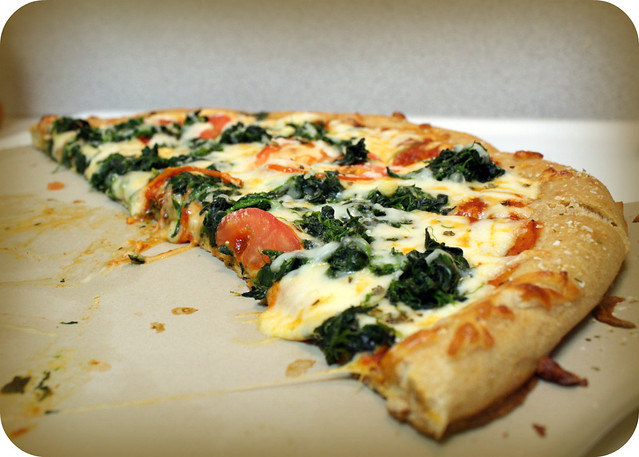Huge Yummy Spinach and Tomato Pizza (March 16)