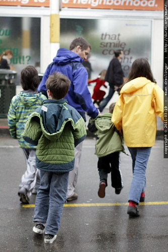 daniel leading his kids & nephews to happy doughnut