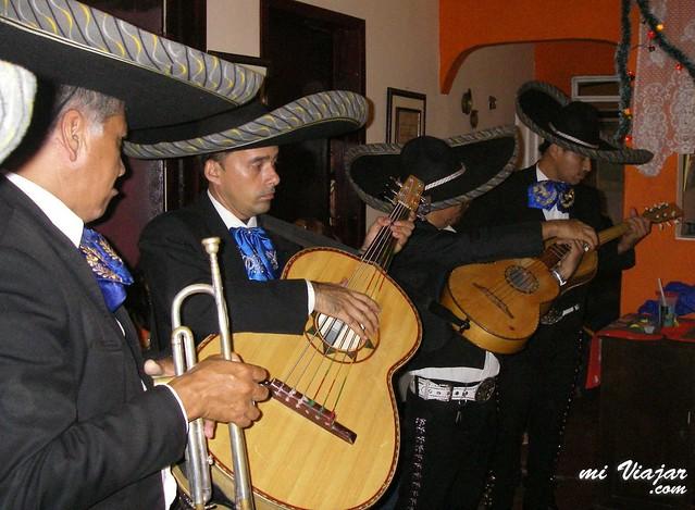 costumbres de Colombia. Serenata