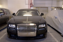 automobile(1.0), automotive exterior(1.0), rolls-royce(1.0), rolls-royce wraith(1.0), vehicle(1.0), performance car(1.0), automotive design(1.0), rolls-royce phantom coupã©(1.0), rolls-royce phantom(1.0), bumper(1.0), sedan(1.0), land vehicle(1.0), luxury vehicle(1.0),