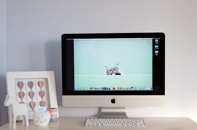 Apple iMac Desktop Workspace