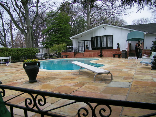 Graceland elvis presley 39 s home in memphis tennessee - Swimming pool companies in memphis tn ...